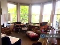 1 bedroom flat in Elm Grove, London, SW19 (1 bed)