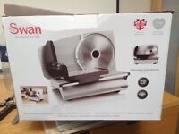 BRAND NEW SWAN FOOD SLICER SFS102 STILL IN PACKAGING