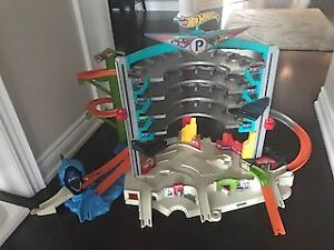 Hot Wheels Play Garage Set