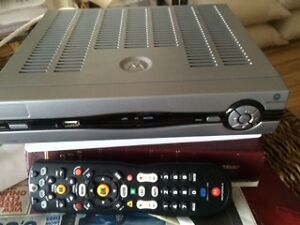 Motorola vip1200, like new, with remote, best offer