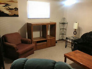 15 MIN WALK TO LU/REGIONAL- LARGE FURN BACHELOR-BRIGHT BASEMENT