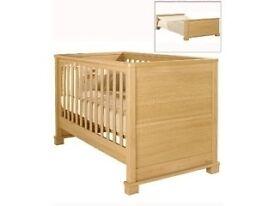 Mamas & Papas Horizon Cot Bed - Collection Effingham