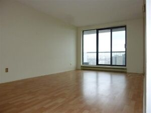 South of the Glebe, Condo Apartment, Great Location!