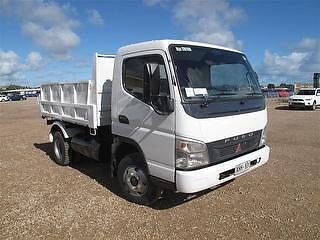 CAR LICENCE 4.5 TONNE GVM TIPPER TRUCK FOR DRY HIRE + HIAB CRANE Belmore Canterbury Area Preview