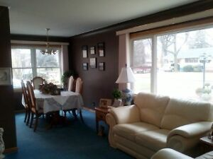 Close to St. Clair College 3 rooms for rent