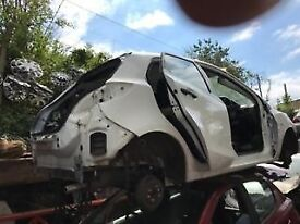 MAZDA 2 2013 WHITE 5DR 1.4 PETROL BREAKING FOR SPARES