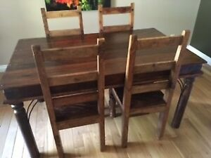 Rustic Solid Wood Dining Table With 4 Chairs