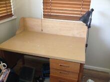 Office chair and desk Mayfield West Newcastle Area Preview