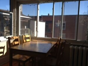 Less than 5 min walk to UofO campus - Spacious 3 Bed