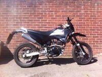 Sinnis apache 125cc motorbike 2014