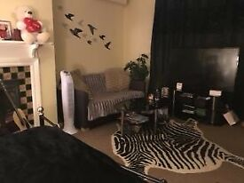 Reigate Studio Flat For Rent in Beautiful Nutley Lane area