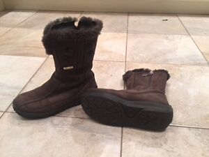 Pajar Winter Short Suede and Shearling Boots size 6.5