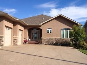 Gorgeous Home in Camrose