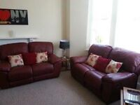2 Bedroom top floor self contained flat for two students close to Uni