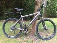 Giant XTC SE mountain bike medium great condition