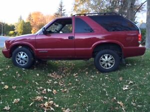 2005 GMC Jimmy 2 door Manual GREAT BUY lots of new parts