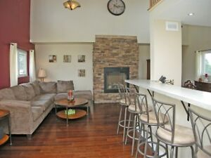 4 Bdrm Executive overlooking Lake Ontario in Amherstview