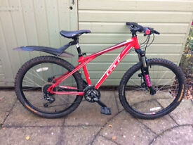 GT Avalanche Unisex red/white small frame mountain bike