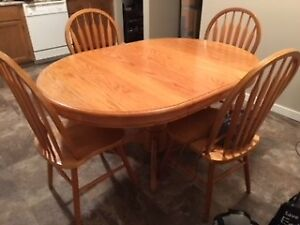 Table and 4 Chairs, Kitchen, Light Wood