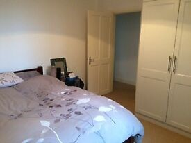 Furnished double room with fitted wardrobe