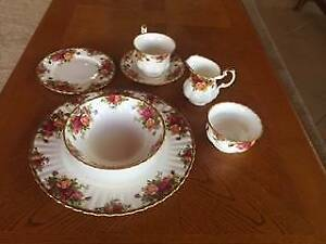 Royal Albert Old Country roses dinner service Callington Murray Bridge Area Preview