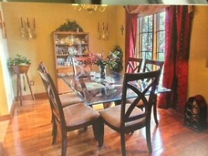 Glass Dinning room Table & 6 chairs London Ontario image 1