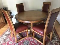 Hunters dining table and chairs