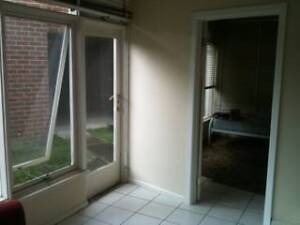 One small room close to Holmesglen, Freeway and busses. Chadstone Monash Area Preview