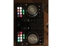 S2 mk2 digital decks + traktor pro 2 full software and leads.