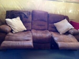 Couch like new Peterborough Peterborough Area image 1