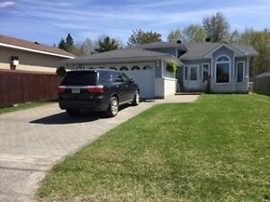 Sturgeon Falls Large 3+3 home in kid friendly neighbourhood