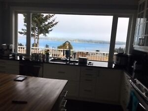 1400 sq foot top unit all utilities included great view