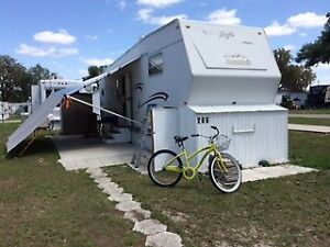5th Wheel Trailer Home - $5000 US or $6500 CAN