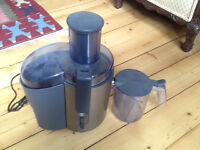 Philips HR1861 centrifugal juicer