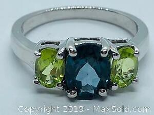 London Blue Topaz & Peridot stamped 925 Silver Ring Size 7 tcw 3.0ct
