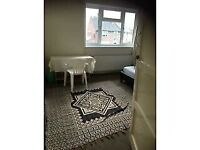 kingsize room for rent