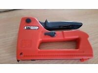 Tacwise data cable tacker / stapler, virtually brand new, comes with box of staples.