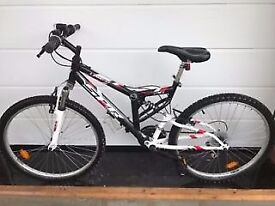 nearly new mountain bike for sale