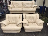 Cream leather 2+1+1 suite in great condition