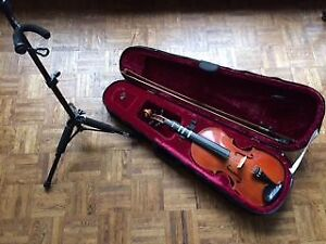 Full size violin with case and violin stand