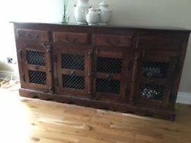 Beautiful antique Indian sideboard in solid wood