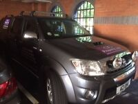 Fully Loaded Toyota Hilux 3.0 D.4D Invincible Crewcab Pickup 4dr