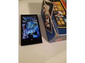 NOKIA LUMIA 920 BLACK COLOUR AND WITH BOX. IN GOOD WORKING CONDITION