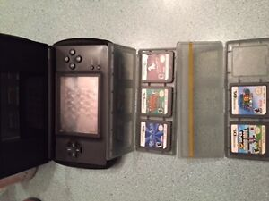 Nintendo 3DS w charger & games