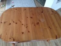 extending table pine with heat ring stains