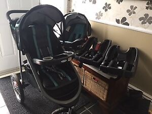 AS NEW!-Graco Fast Action Fold Click Connect Travel Sytem