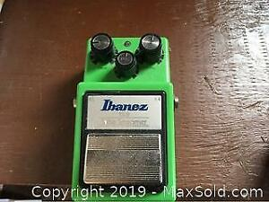 Tube Screamer, Phase Shifter And Dunlop Cry Baby B