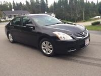 2010 Nissan Altima S Sedan - SUNROOF & HEATED SEATS