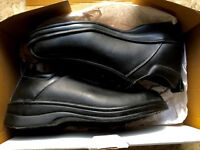 WORK SHOES SAFETY FOOTWEAR - UK SIZE 7 - BRAND NEW - STEEL TOE BUSINESS INDUSTRIAL WAREHOUSE OFFICE