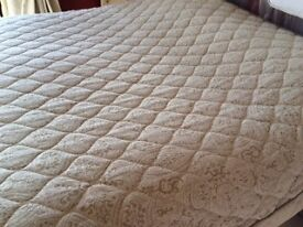 Dorma quilted throw